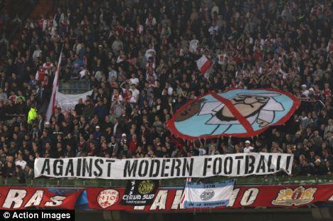 pancarta contra el Manchester City